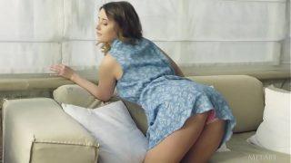 Российская брюнеточка дрюкается по окончании массажа